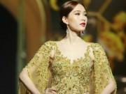 Đặng Thu Thảo lấn át dàn mẫu Việt với váy áo nữ thần