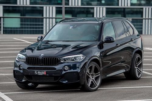 BMW X5 độ mâm Vossen 22 inch mạnh mẽ - 1