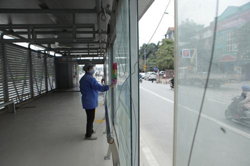 Tuyến xe buýt nhanh ngổn ngang trước ngày vận hành thử - 6