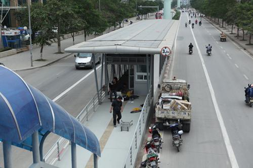 Tuyến xe buýt nhanh ngổn ngang trước ngày vận hành thử - 8