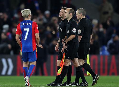 """MU thắng nhờ """"trò bẩn"""" của Ibrahimovic và Pogba - 3"""