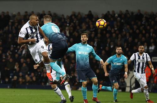 Kì tích NHA: Siêu hat-trick bằng đầu, Ramos phải ngả mũ - 3