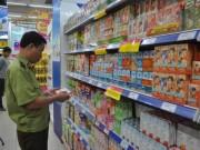 Thị trường - Tiêu dùng - Kiểm tra hàng tết tại các siêu thị, cơ sở sản xuất lớn