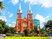 """Du lịch - Bất ngờ với những """"bí mật"""" trong nhà thờ Đức Bà TP.HCM"""