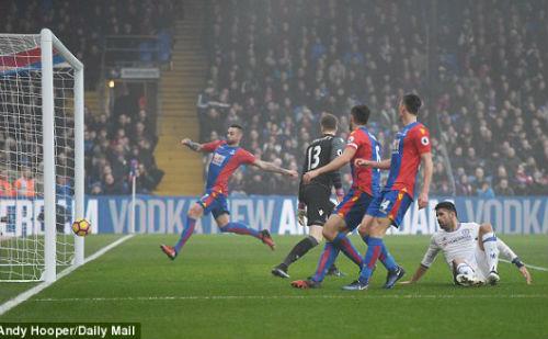 Crystal Palace - Chelsea: Cú đánh đầu lịch sử - 1