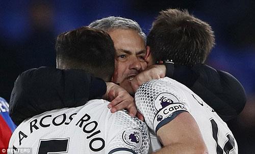 """MU lột xác thắng 3 trận liền: """"Tuấn kiệt"""" Mourinho - 2"""
