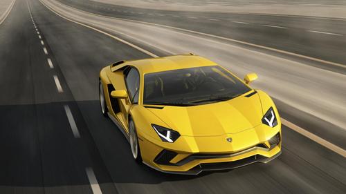 Nóng: Lamborghini Aventador S bất ngờ trình làng - 1