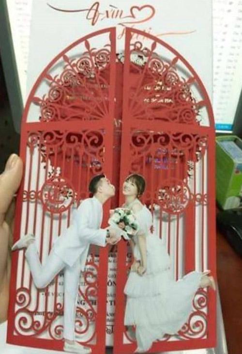 Hé lộ thiệp cưới độc lạ của Trấn Thành, Hari Won - 2