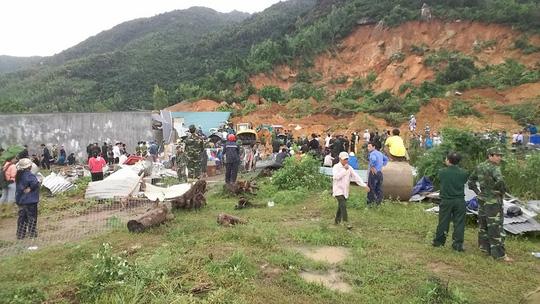Sạt lở kinh hoàng ở Nha Trang, ít nhất 2 người chết - 7
