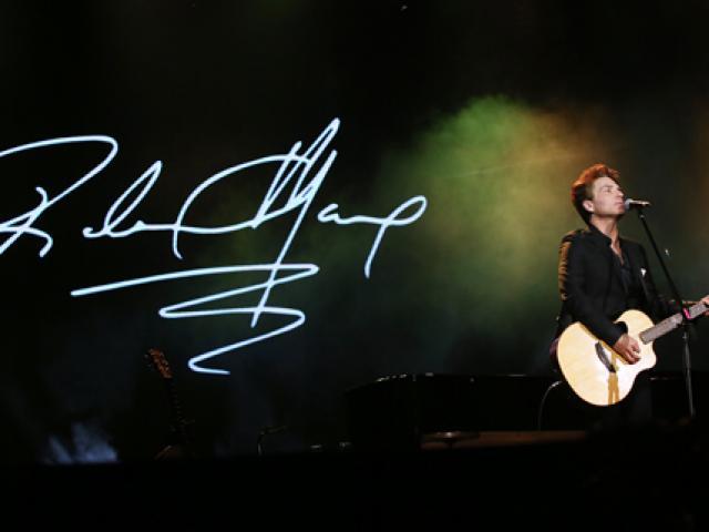 Richard Marx hát gần 10 ca khúc tại Nhà hát Lớn