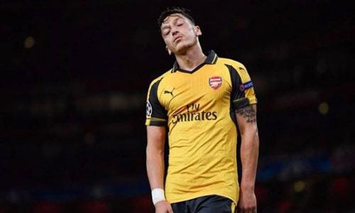 """Ozil có dấu hiệu nổi loạn, Arsenal sớm """"ra đòn"""""""