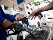 Thị trường - Tiêu dùng - Hôm nay giá xăng có thể tăng đến 900 đồng/lít
