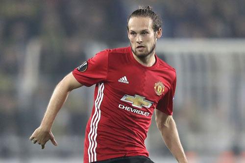 """Chuyển nhượng MU: """"Ferdinand mới"""" đến, Blind phải đi - 2"""