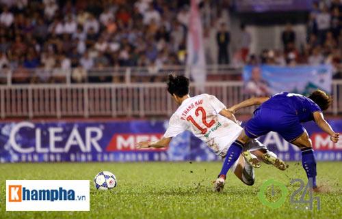 Bị Thái Lan chơi xấu, Công Phượng - Văn Toàn được bảo vệ
