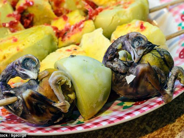 20 món ăn kinh dị nhất thế giới