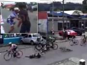 Thể thao - Va chạm xe, cua-rơ tung cước trả đũa đối thủ