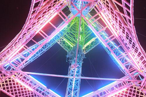 """Dân dựng """"tháp Eiffel"""" cao 34m độc nhất vô nhị đón Noel, dung thap eiffel, thap eiffel, thap, noel, don noel, tin tức việt nam, tin viet nam, tin trong ngày, tin tức 24h, tin tức, tin an ninh, tin tức trong ngày"""