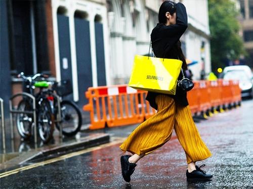 Phụ nữ Nhật làm điều trái ngược này vào kỳ lễ hội mua sắm - 5