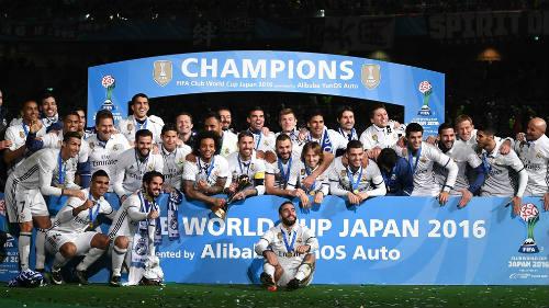"""Đội bóng hay nhất 2016: """"Cổ tích"""" Leicester đọ Real bất bại"""