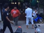"""Video Clip Cười - Clip: Khi hai """"cao thủ"""" thi triển võ nghệ"""