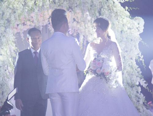 Toàn cảnh đám cưới lãng mạn như cổ tích của Hari Won và Trấn Thành