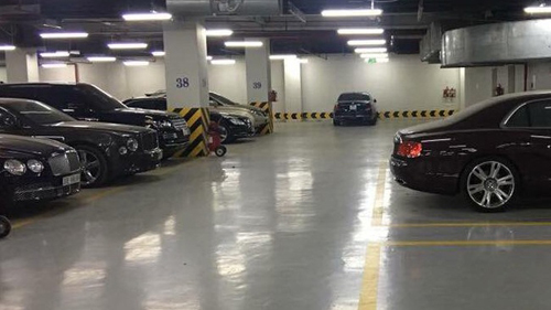 Hà Nội: Một hầm đỗ xe có tới 3 chiếc Bentley