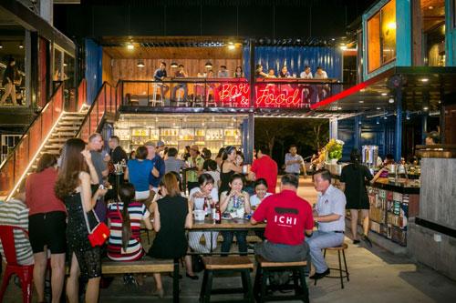 Đập hộp nhà hàng container siêu khủng Holy Pig tại Đà Nẵng - am thuc -