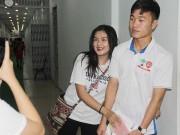 Bóng đá - U21 HAGL tri ân khán giả, fan nữ ôm chầm Xuân Trường