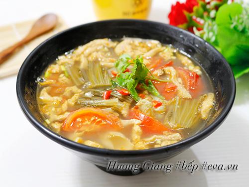 Canh dưa chua nấu tóp mỡ đơn giản mà ngon cơm - 8