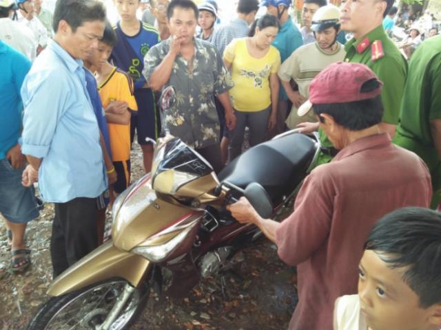 CSGT tóm kẻ chém người, cướp xe giữa phố Sài Gòn