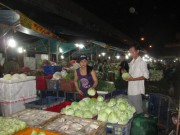 Thị trường - Tiêu dùng - Hàng Tết khó tăng giá mạnh