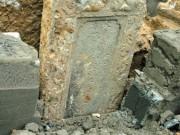 Tin tức trong ngày - Phát hiện ngôi mộ cổ bằng đá xanh ở Sài Gòn