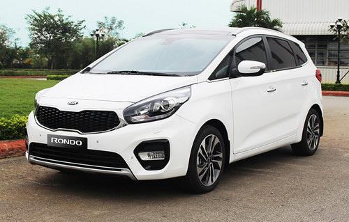 Kia Rondo 2017 giá từ 654 triệu đồng tại Việt Nam