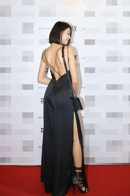 Quán quân Next Top nữ tính với váy mỏng như sương - 12