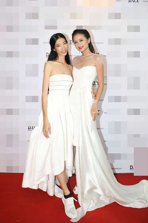 Quán quân Next Top nữ tính với váy mỏng như sương - 11
