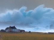 Thế giới - Sóng cao hơn 14m đóng băng khi ập vào bờ biển Anh