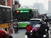 Tin tức trong ngày - Giờ cao điểm, buýt nhanh chậm hơn buýt thường 20 phút