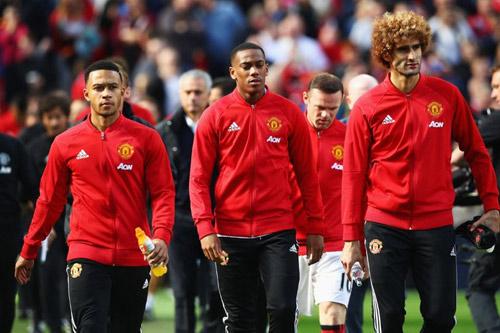Chuyển nhượng MU-Mourinho: Cạnh tranh khốc liệt 1 chọi 6