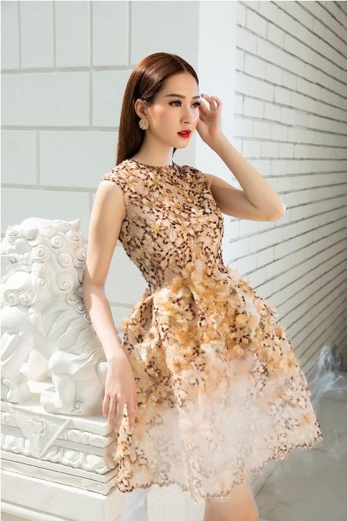 Đặng Thu Thảo đẹp mê hoặc với váy xuân xuyên thấu - 2