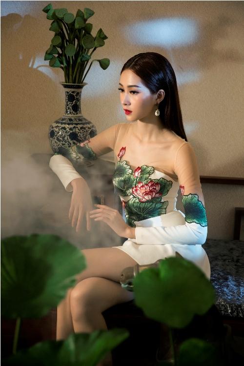 Đặng Thu Thảo đẹp mê hoặc với váy xuân xuyên thấu - 6
