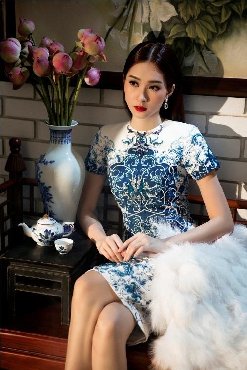 Đặng Thu Thảo đẹp mê hoặc với váy xuân xuyên thấu - 4