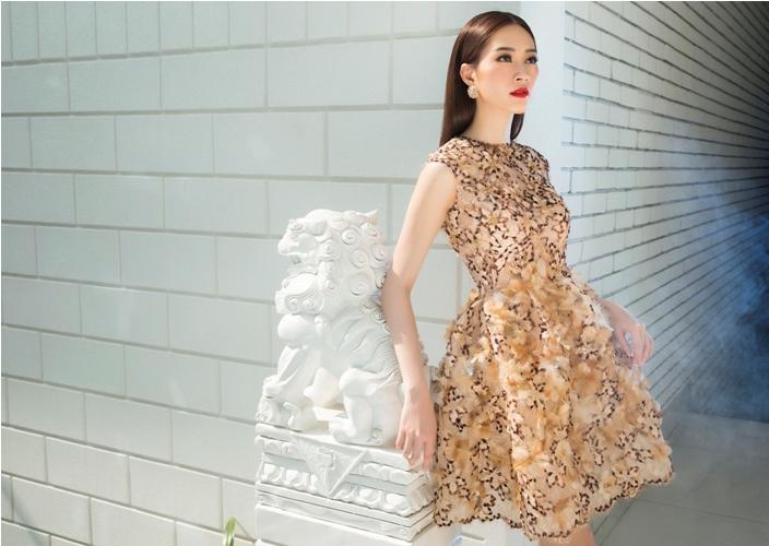 Đặng Thu Thảo đẹp mê hoặc với váy xuân xuyên thấu - 3
