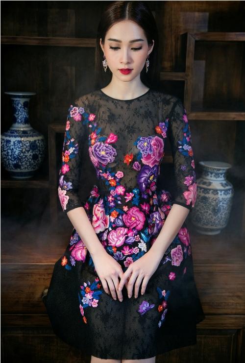 Đặng Thu Thảo đẹp mê hoặc với váy xuân xuyên thấu - 9