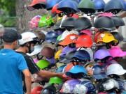 Thị trường - Tiêu dùng - Mũ bảo hiểm vỉa hè: Đuổi thì… chạy!