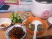 Giáo dục - du học - Trước khi đi du học, hãy dạy con... nấu ăn!