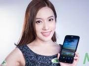Thời trang Hi-tech - Những bóng hồng đẹp hút hồn bên smartphone
