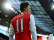 """Bóng đá - """"Vua chạm bóng"""" NHA: Ozil trên trăm người, dưới 1 người"""