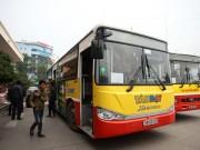 """Tin tức trong ngày - HN: Hành khách bức xúc vì bị nhà xe """"bỏ rơi"""" ở bến Mỹ Đình"""