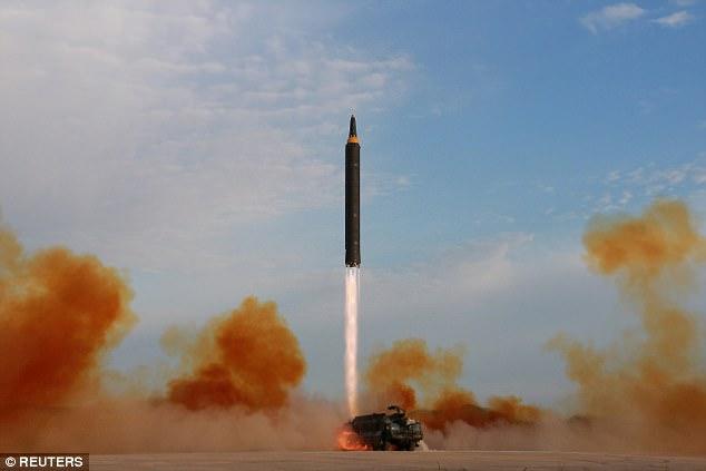 Mỹ có thể phải bắn tên lửa Triều Tiên trên không phận Nga - 1