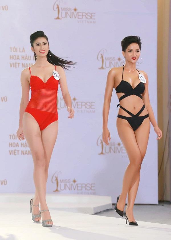 Cận cảnh phần thi áo tắm sexy của thí sinh Hoa hậu Hoàn vũ VN - 7